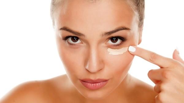 make up tipps geschwollene augen