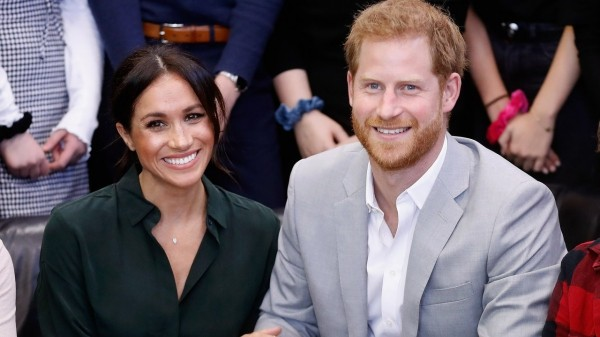 meghan markle strahlend mit harry