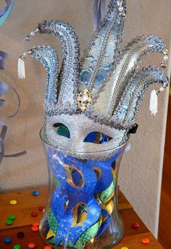 silberne glänzende masken dekoideen