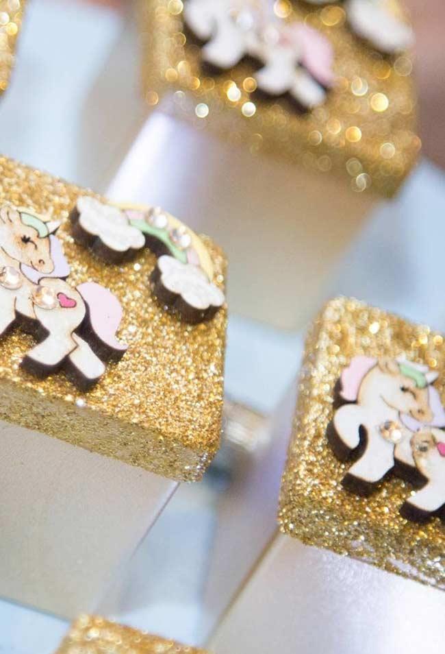 vergoldete Verpackungen aus Pappe Einhorn bastelideen