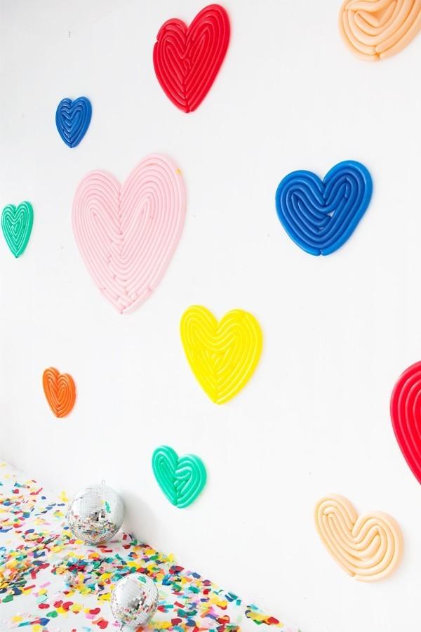 verschiedene bunte Herzen für den Valentinstag