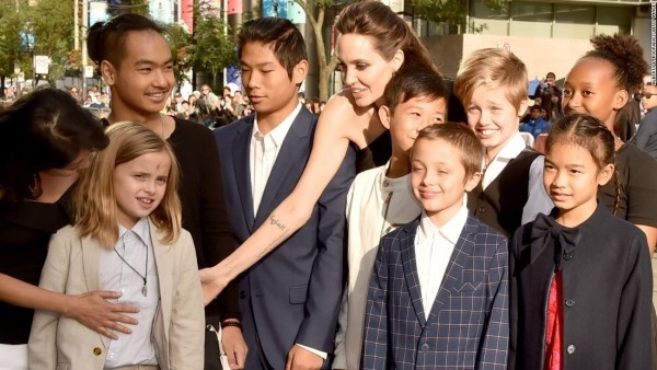Angelina Jolie verbringt viel Zeit mit ihren 6 Kindern