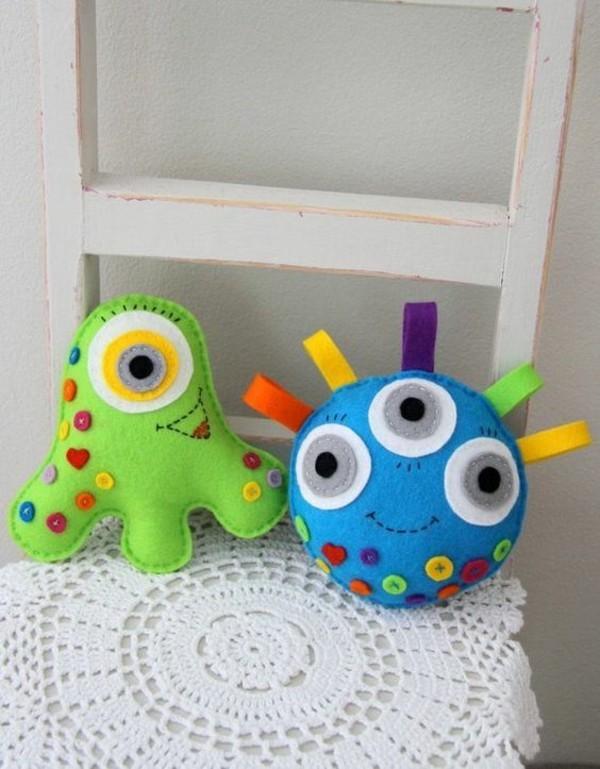 Babyspielzeug nähen Filz cooles Kinderspielzeug kinderspiele für drinnen