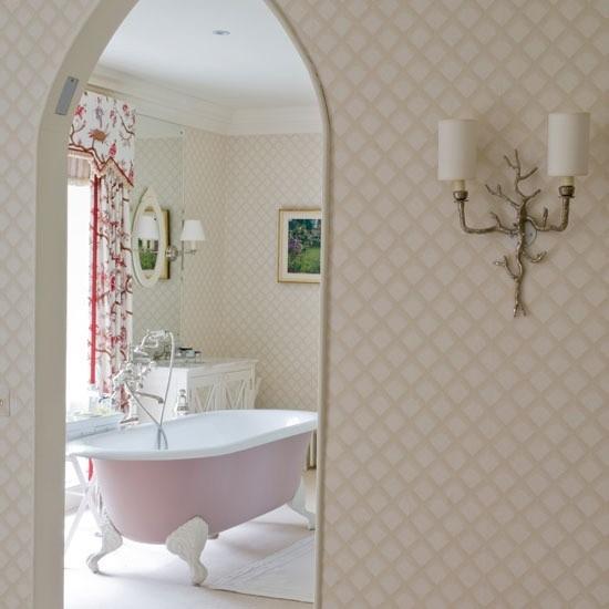 Badezimmer mit weiblichem Gespür Badewanne