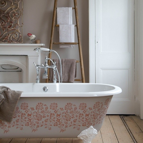 Badezimmer mit weiblichem Gespür Vintage Stil mit femininen Elementen