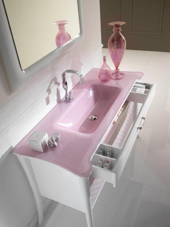Badezimmer mit weiblichem Gespür zartes Rosa und Weiß kombinieren