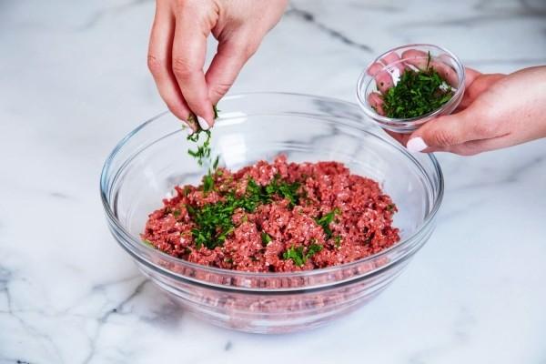 Beyond Meat führt vegetarisches Rinderhackfleisch mit höherem Proteingehalt als Fleisch ein hackfleisch würzen