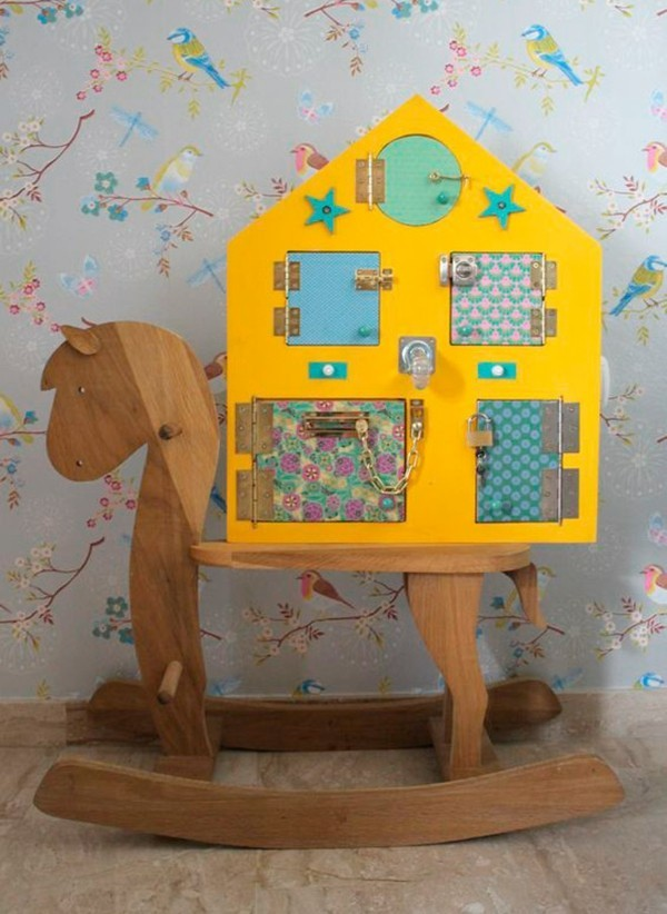 DIY Spielzeuge activity board selbst bauen