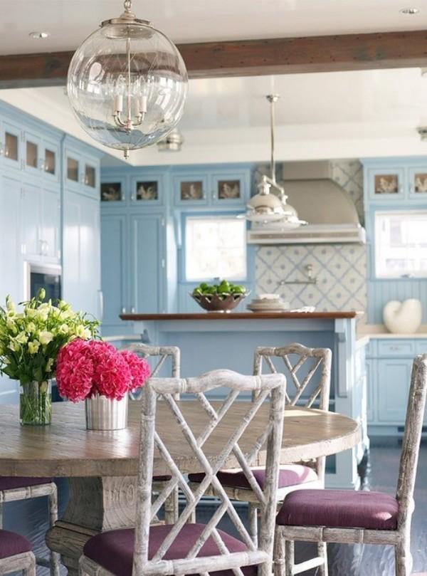 Esszimmer mit femininen Touches gemütliches Ambiente Küche und Esszimmer in einem