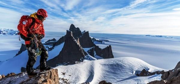 Futurelight – der weltweit fortschrittlichste Stoff von The North Face bergsteiger auf bergspitze