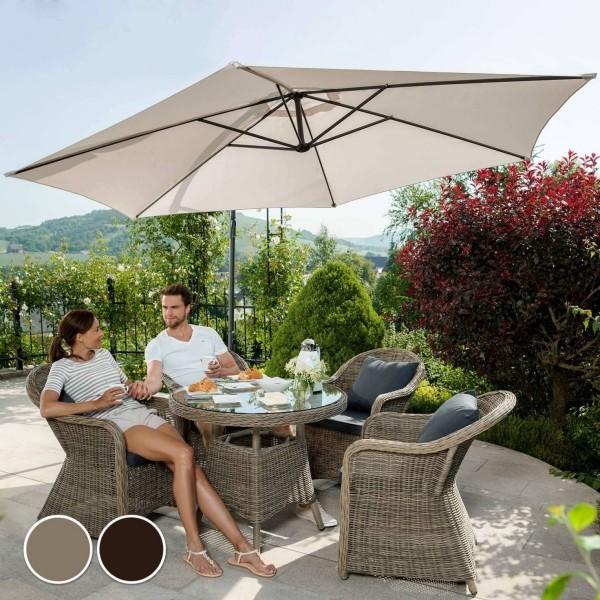 Gartenmöbeltrends 2019 – mit Rattan alles richtig machen kaffeetisch mit sesseln und schirm beige