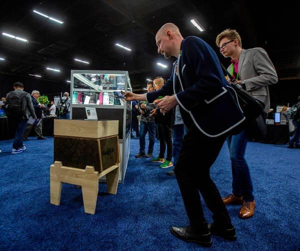Hi-Tech Bienenstock CoCoon von BeeLife schützt Honigbienen vor Varroamilben zentrallpostition auf der CES 2019