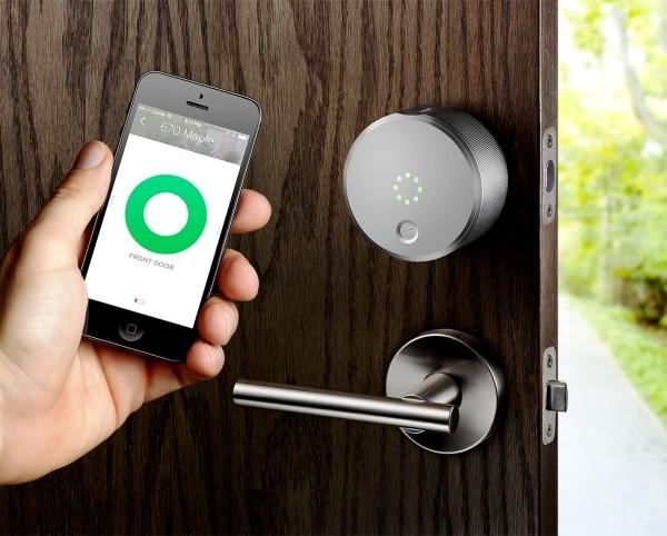 Hi-Tech Smart Türklingel mit Kamera von August Home august view tür öffnen und schließen