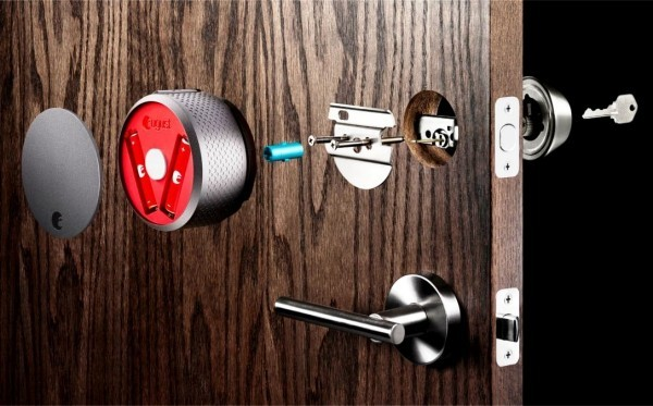 Hi-Tech Smart Türklingel mit Kamera von August Home das smart lock system von august