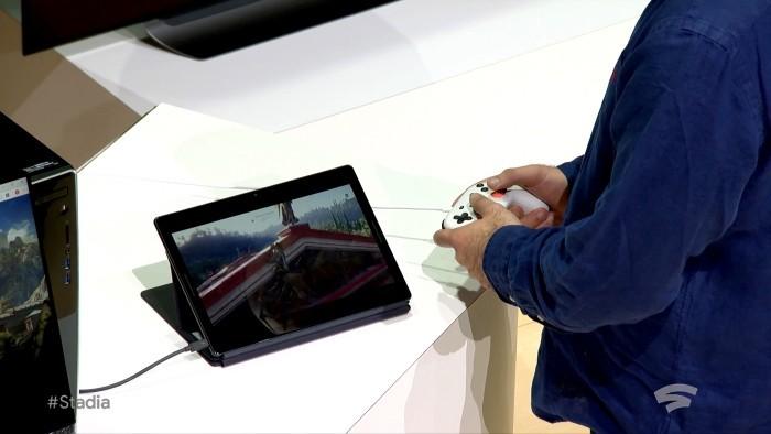 Mit Google Stadia können Sie jederzeit von jedem Gerät aus Streamen und Triple A-Spiele spielen assassins creed odyssey auf einem tablet