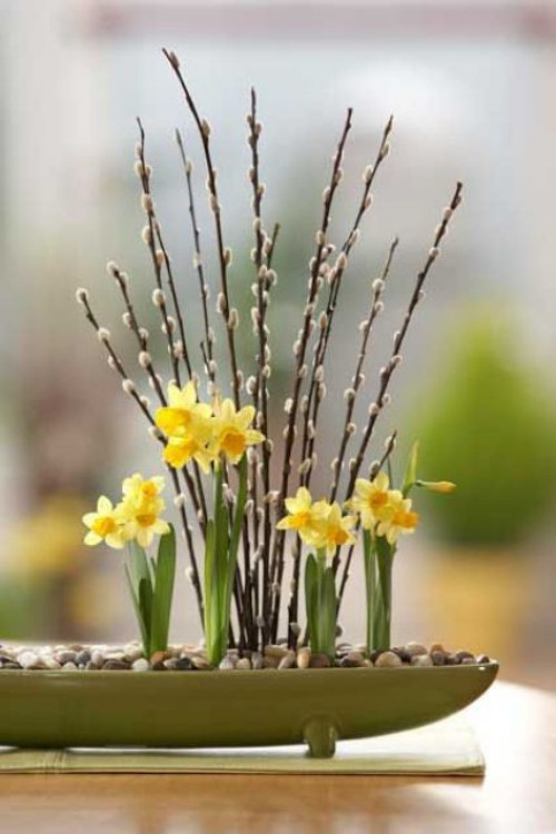 Narzissen Deko Ideen tolles Blumenarrangement im Feng-Shui Stil