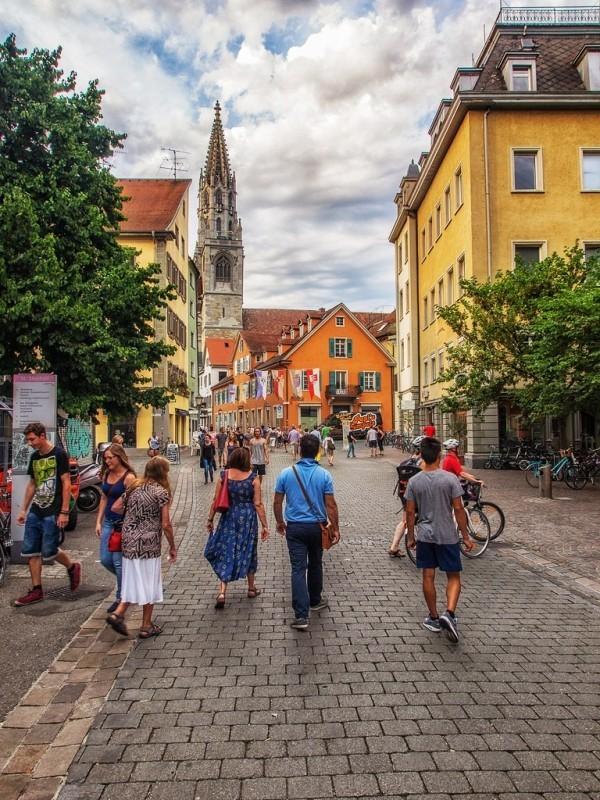 Urlaub in Konstanz – kennzeichnende Destinationen der größten Stadt am Bodensee konstanz straßen kopfsteingassen