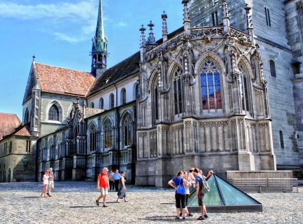Urlaub in Konstanz – kennzeichnende Destinationen der größten Stadt am Bodensee minster kathedrale und pyramide