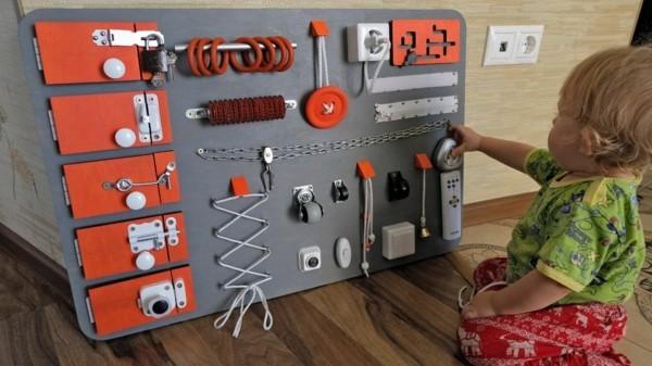 activity board diy Babyspielzeuge Ideen