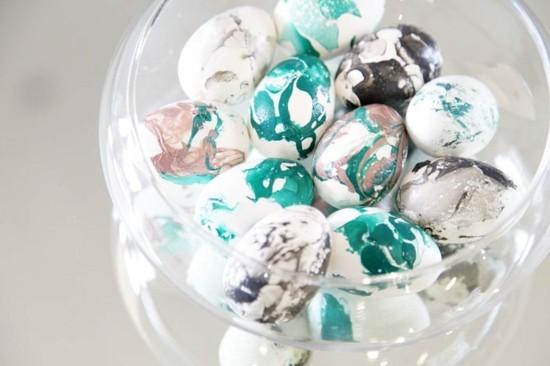 bunte ostereier marmorieren