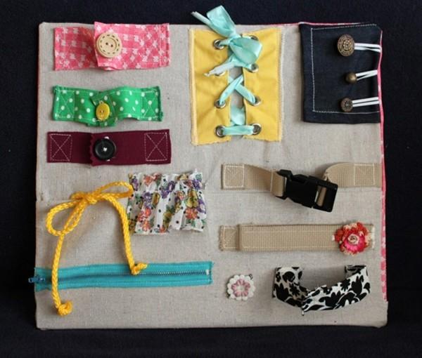 coole Spielzeuge activity board Babyspielzeug selber nähen