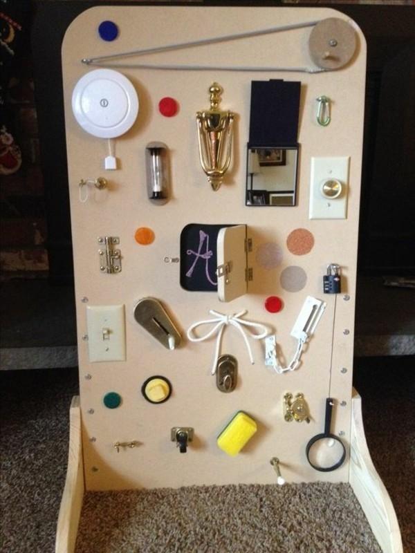coole Spielzeuge busy board selbst bauen diy Kinderspielzeuge