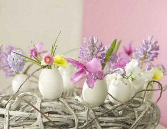 eiervasen voller frühlingsblumen osterdeko ideen