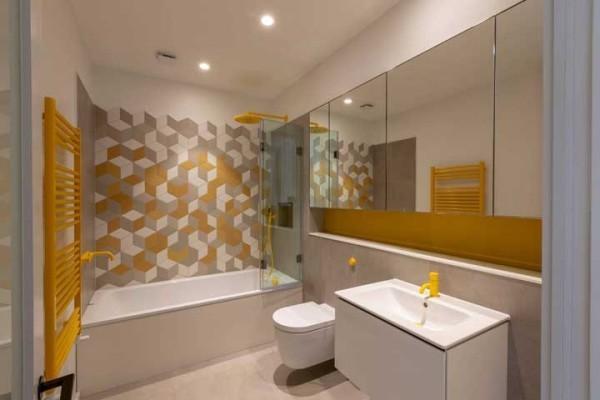 gelbe ideen und spiegel wandgestaltung