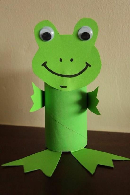 grünen frosch basteln mit klorollen