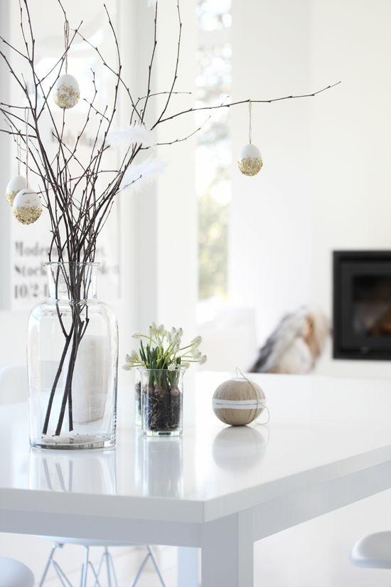 osterbaum mit ostereier gold osterdeko ideen