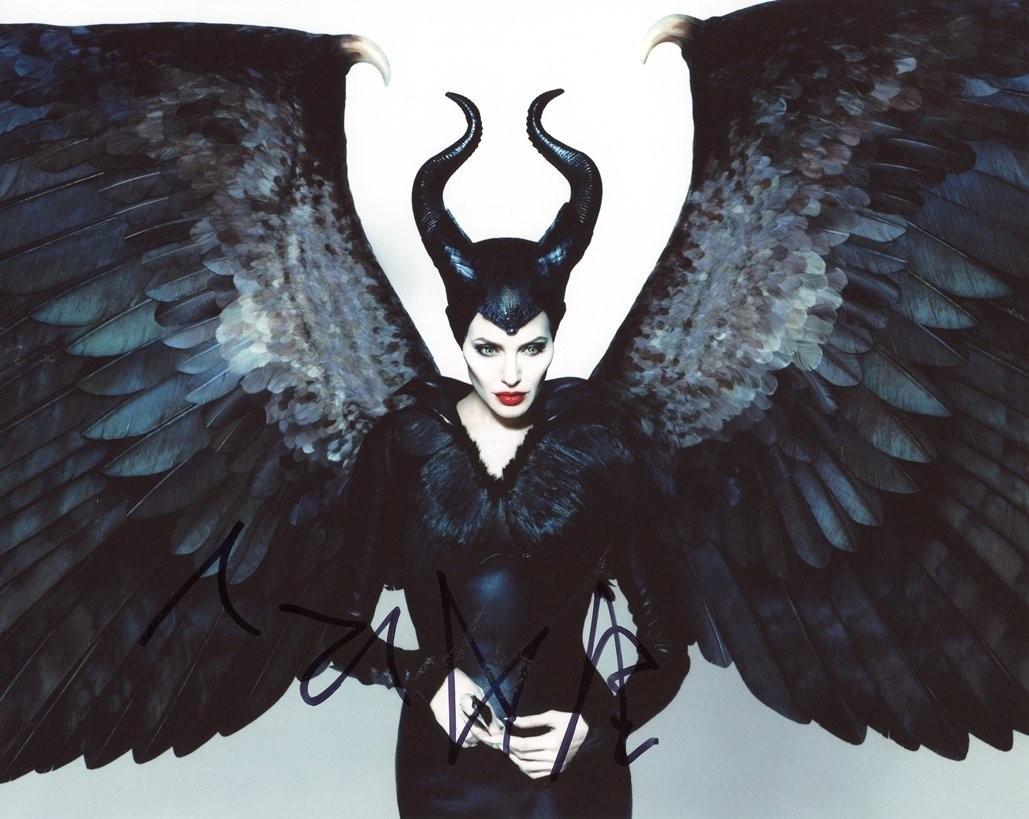poster mit angelina jolie als maleficent