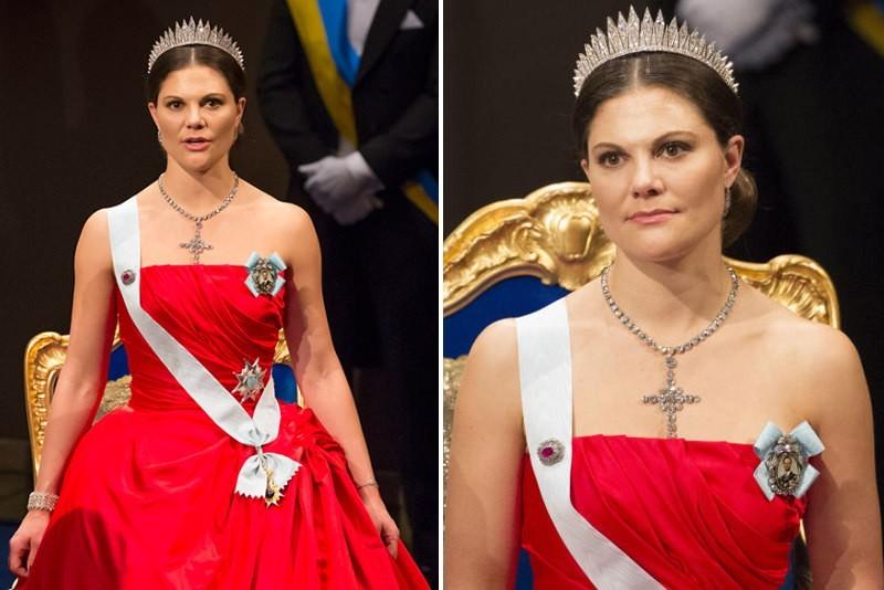 vicotria von schweden in rotem kleid