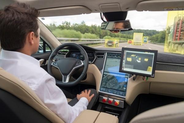 5G-kompatible Autos werden bald zur Realität und unsere Sicherheit verbessern autonome autos werden bald hier sein