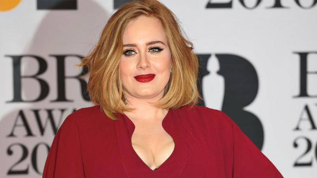 Adele britische Erfolgssängerin beneidenswerte Musikkarriere