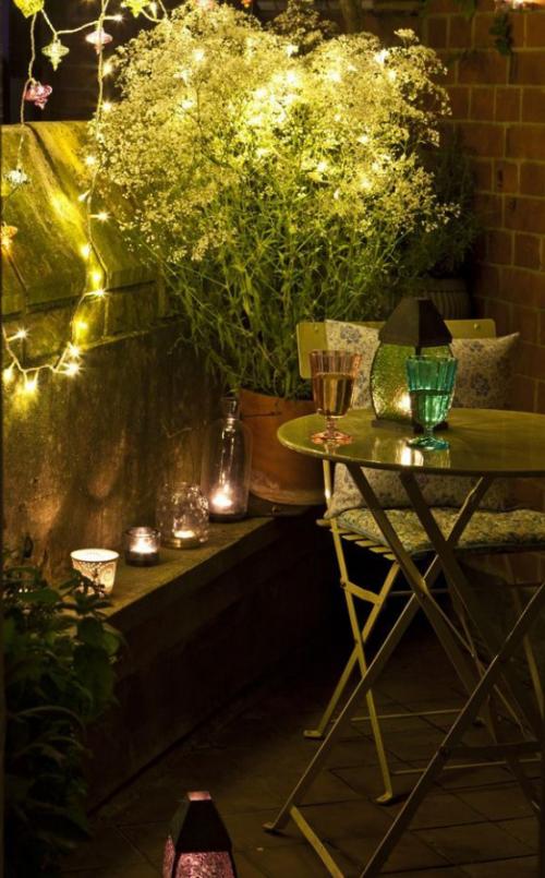 Balkon Ideen kleinen Balkon gestalten Outdoor-Beleuchtung