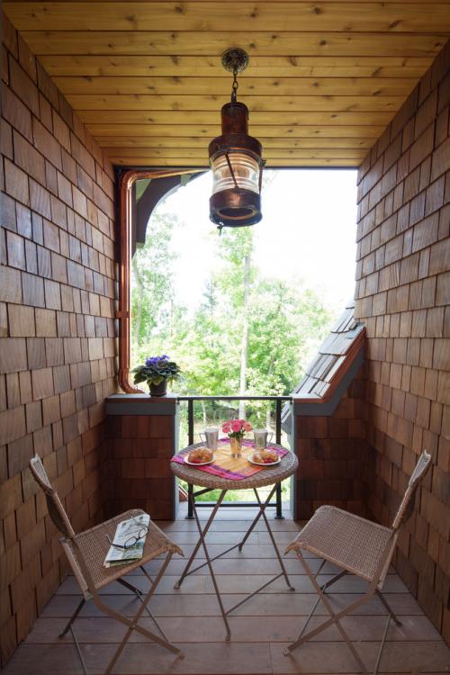 Balkon Ideen kleinen Balkon gestalten gemütliche Relax-Zone für zwei