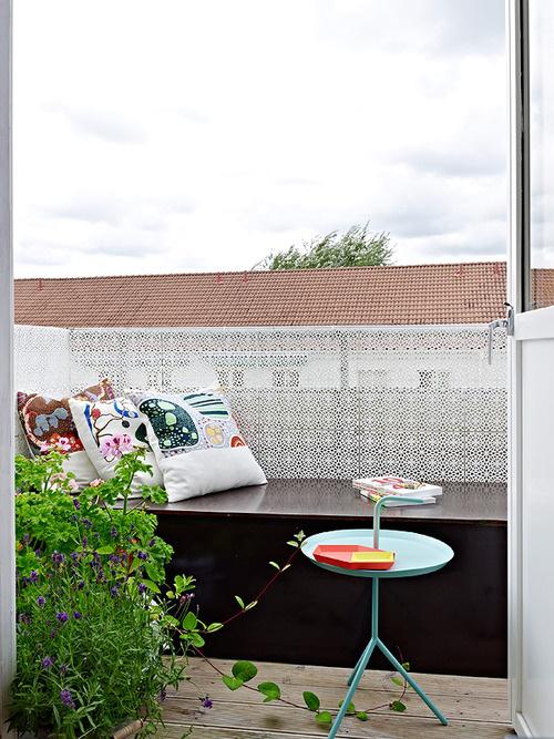 Balkon Ideen kleinen Balkon gestalten perfekte Relax-Zone gut geschützt