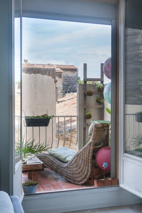 Bodengestaltung auf dem kleinen Balkon