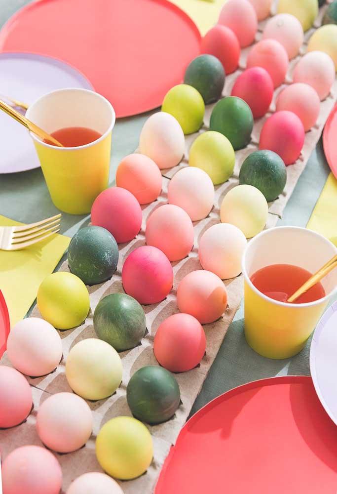 Bunt gefärbte Eier als tolle Osterdeko