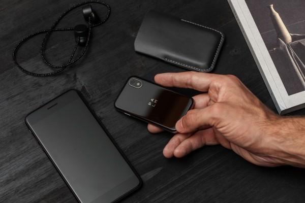 Das winzige Palm Smartphone ist ab sofort ein selbstständiges Gerät begleitergerät jetzt selbstständig