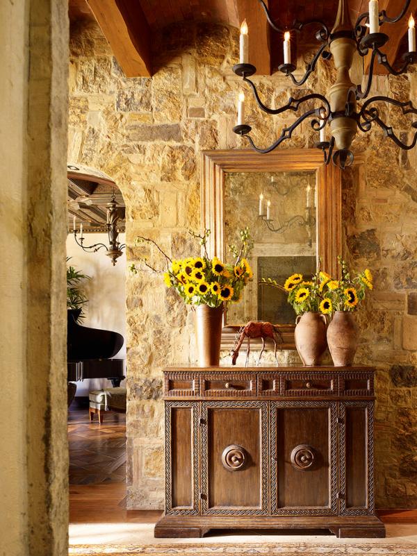Dekorative Wandspiegel im Flur ansprechendes Design im Landhausstil
