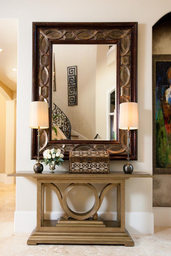 Dekorative Wandspiegel im Flur klassisches design Blickfang