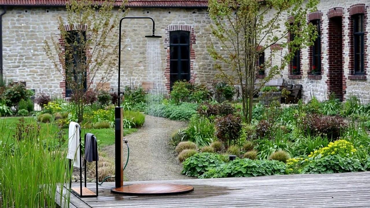 Die Gartendusche bringt Ihnen die willkommene Erfrischung im Sommer ...