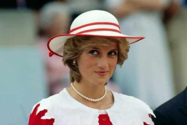 Emma Corrin spielt Lady Diana enormer Lebenswandel vom gewöhnlichen Teenager in weltbekannte Berühmtheit