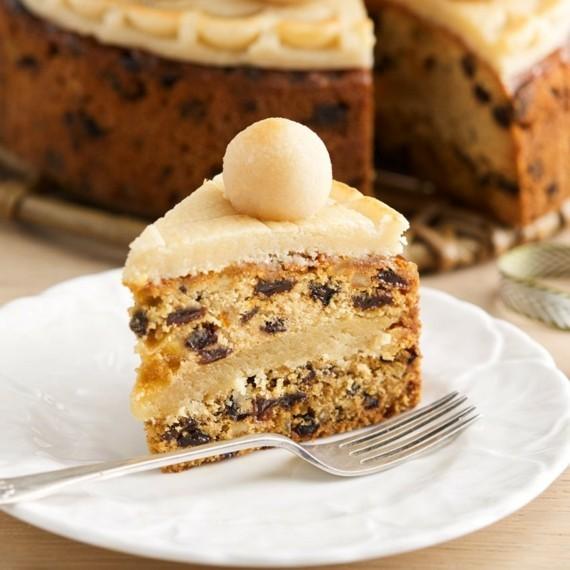 Früchtekuchen Rezept Kuchen zum Muttertag Simnel Osterkuchen Stück