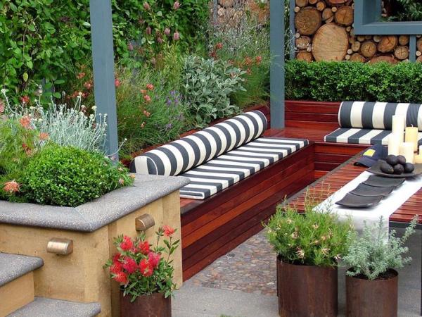 Gartentipps für jedermann gemütliche Sitzecke nahtlos in den Garten einfügen