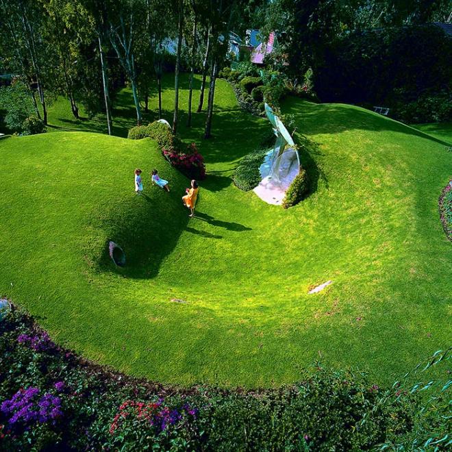 Hobbit House organische Architektur gut in die Natur integriert