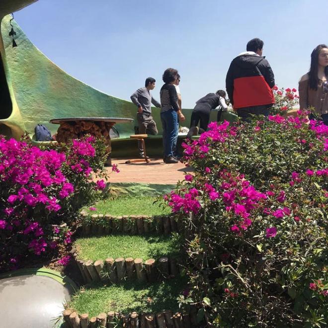 Hobbit House organische Architektur von Touristen viel besucht