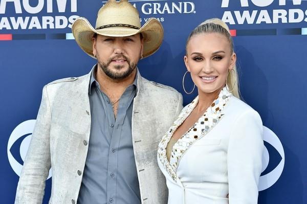 Jason Aldean und tolle Brittany Kerr Country Musik