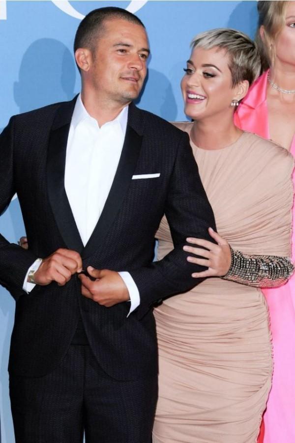 Katy Perry romantischer Haarschnitt in Orlando Bloom verliebt
